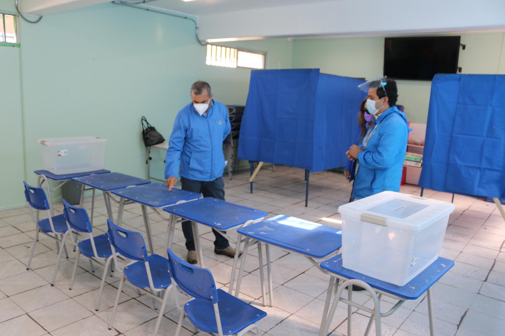 Municipalidad de Iquique trabaja en habilitación de locales de votación para el plebiscito constitucional