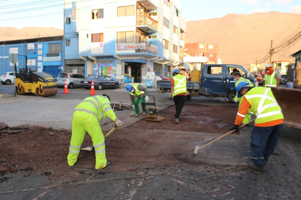 Municipalidad de Iquique inició trabajo de reparación de calzadas vía licitación