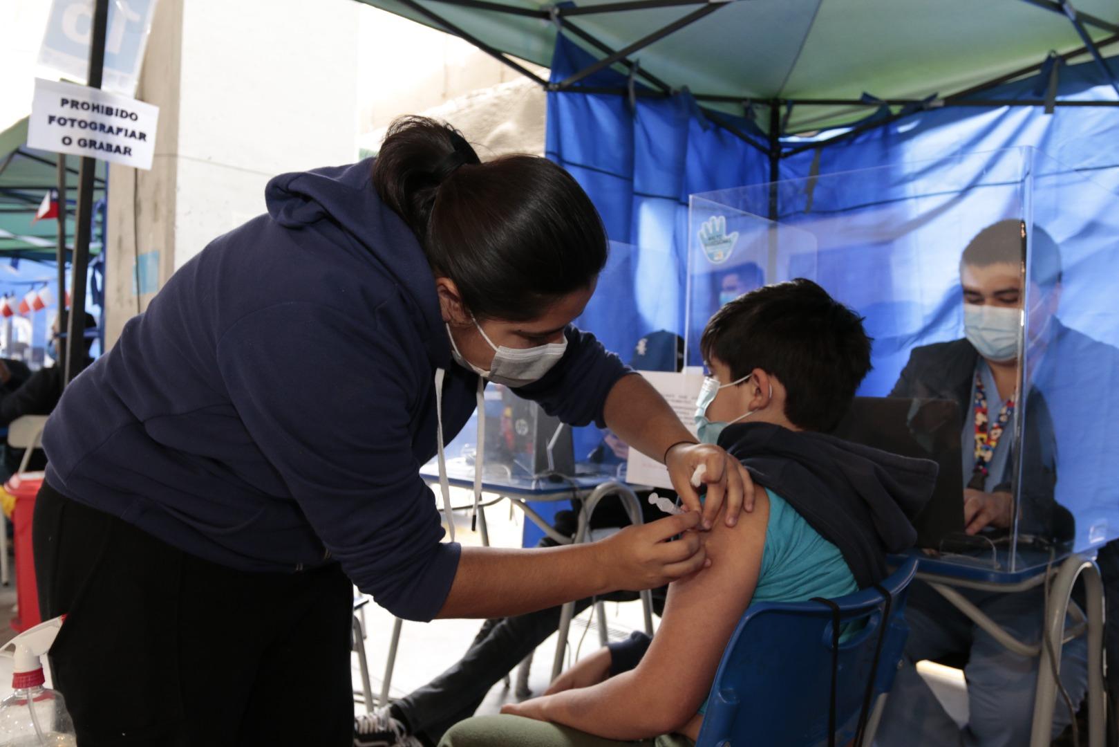 Salud Municipal de Iquique inició proceso de vacunación contra el Covid-19 para niños de 6 a 11 años