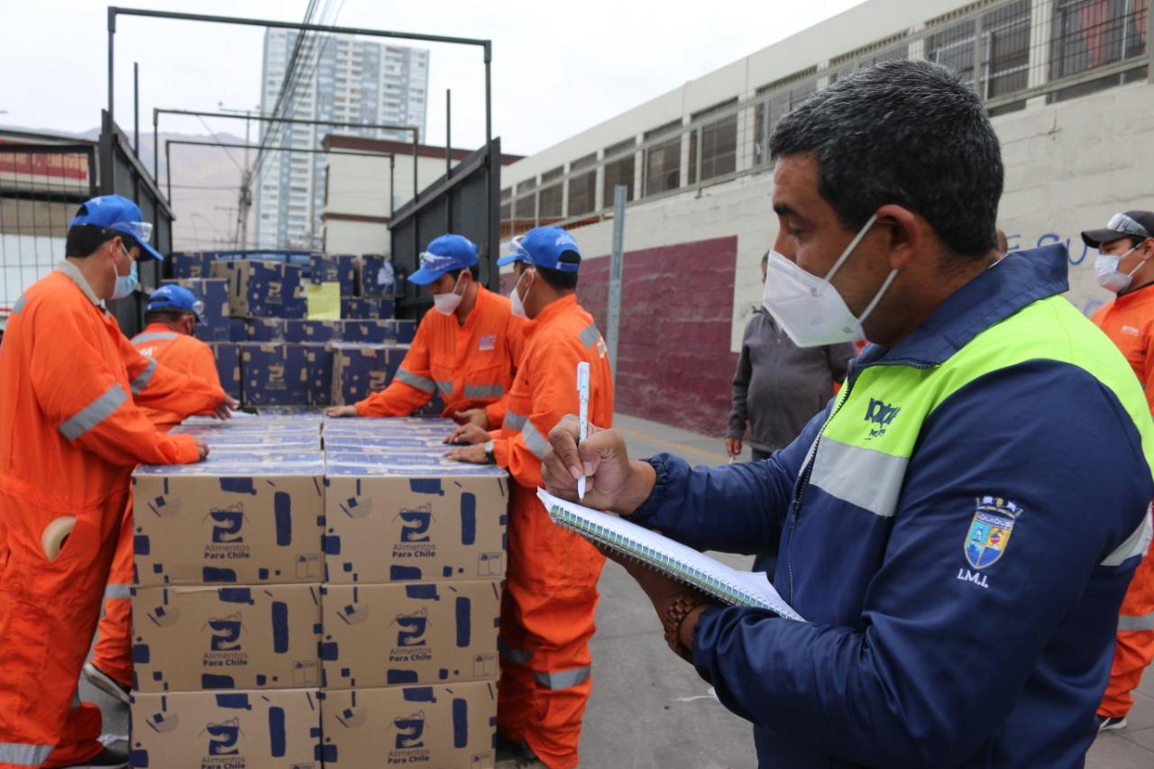 IMI entrega de cajas
